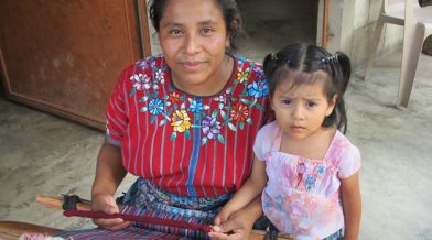 guatemala-knitting-mom-daughter